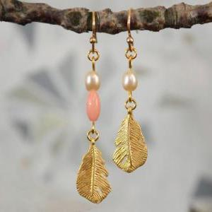 SALE) B-016 Small feather earrings,..