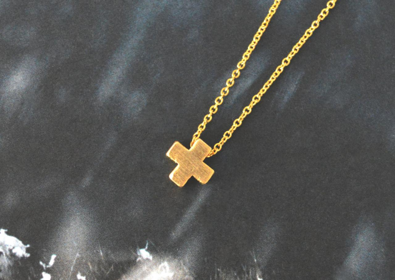 A-005 Cross necklace, Simple Necklace, Modern necklace, Pendant necklace, Gold plated chain / Bridesmaid gifts / Everyday jewelry /