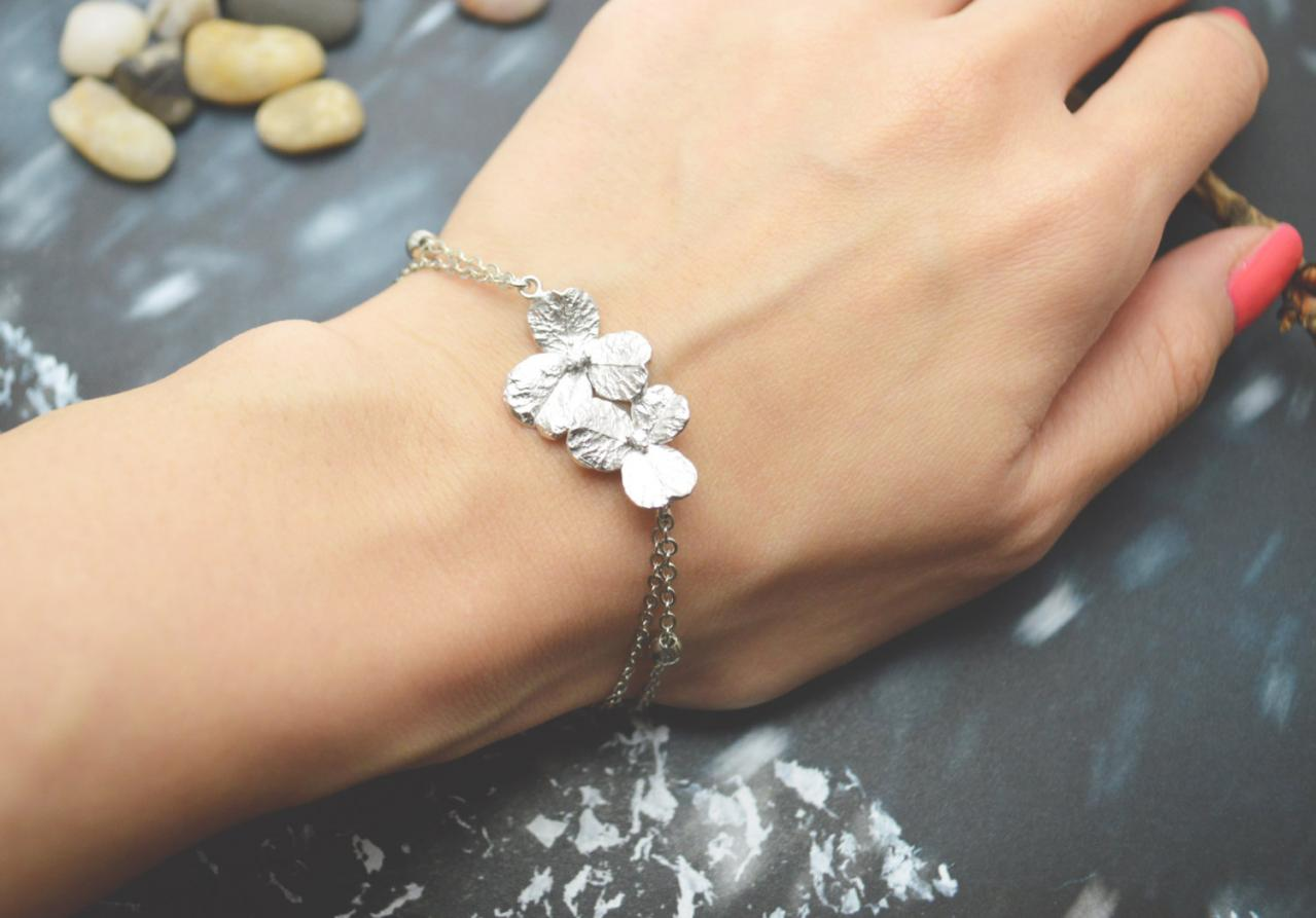 C-070 Flower bracelet, Simple bracelet, Modern bracelet, Ball chain, Silver plated/Everyday jewelry/
