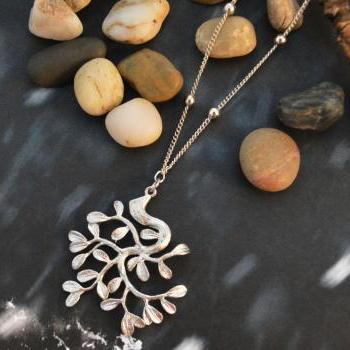 A-045 Tree pendant necklace, Simple necklace, Charm necklace, Silver plated ball chain/Bridesmaid gifts/Everyday jewelry/