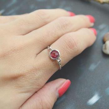 E-027 Ruby Glass ring, Silver Frame ring, Chain ring, Simple ring, Modern ring, Silver plated ring/Everyday/Gift/